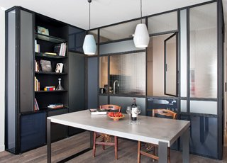 Rénovation d'un appartement design à Paris : salle à manger